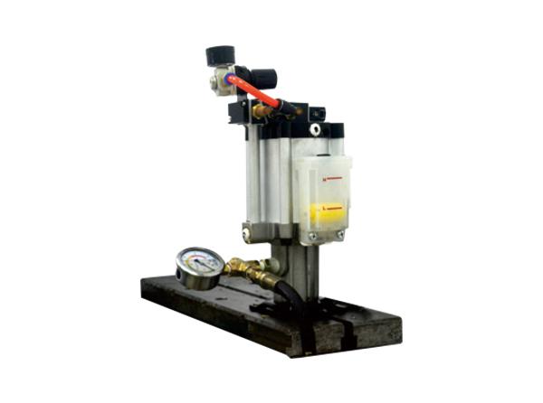 氣轉油增壓缸